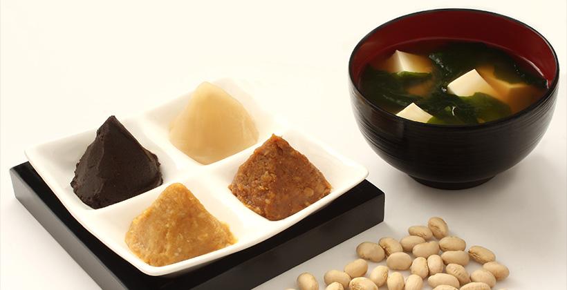 色々な味噌と味噌汁