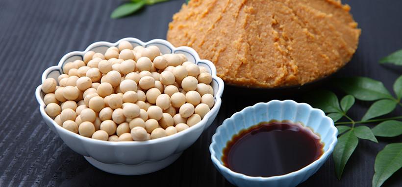 大豆と醤油、味噌