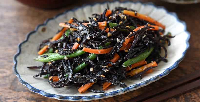 ひじきと彩り野菜の塩麹炒め