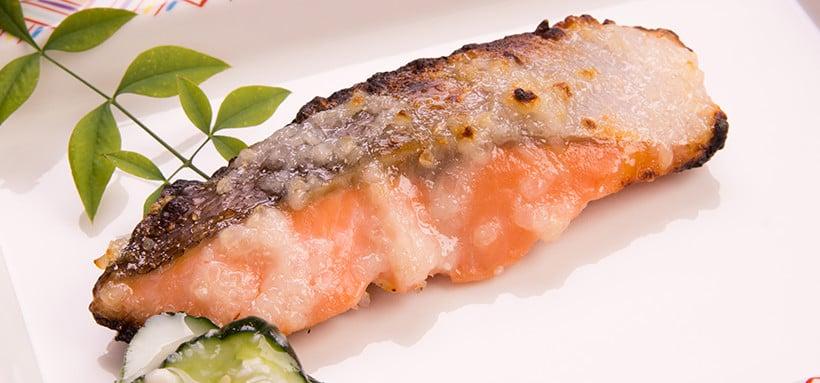 塩麹に漬けた焼き魚